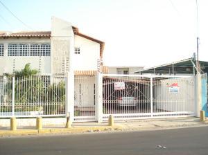 Townhouse en Maracaibo Zulia,Doral Norte REF: 15-4341
