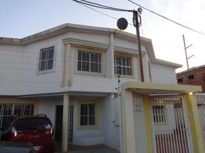 Townhouse en Maracaibo Zulia,Canchancha REF: 15-4368