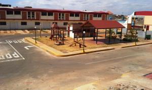 Townhouse en Maracaibo Zulia,El Peru - San Francisco REF: 15-4374