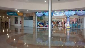 Comercial en Cabimas Zulia,R-10 REF: 15-7010
