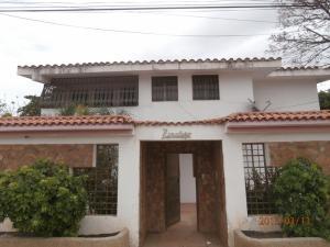 Casa en Coro Falcon,Av Ramon Antonio Medina REF: 15-4728