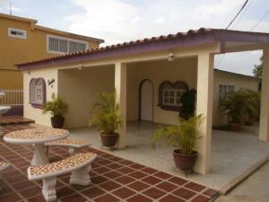 Casa en Cabimas Zulia,Carretera H REF: 15-5105