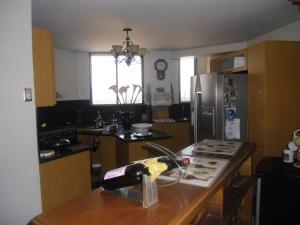Apartamento en Maracaibo Zulia,Avenida El Milagro REF: 15-5658