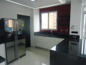 Apartamento en Maracaibo Zulia,Tierra Negra REF: 15-5687