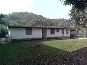 Casa en Los Teques Miranda,Los Montes Verdes REF: 15-5856