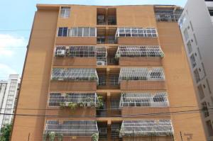 Apartamento en Maracay Aragua,San Isidro REF: 15-5889