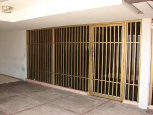 Comercial en Maracaibo Zulia,Avenida Bella Vista REF: 15-6086