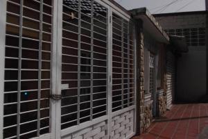 Casa en Maracay Aragua,Avenida Los Cedros REF: 15-6178