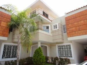 Townhouse en Maracaibo Zulia,Canchancha REF: 15-7100