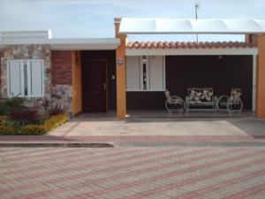 Casa en Punto Fijo Falcon,Puerta Maraven REF: 15-7166