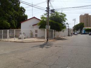 Comercial en Maracaibo Zulia,Las Mercedes REF: 15-7182