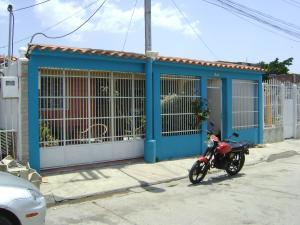Casa en Maracay Aragua,Santa Rita REF: 15-7470