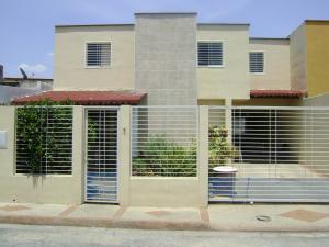 Townhouse en Maracay Aragua,Villas Ingenio I REF: 15-7480