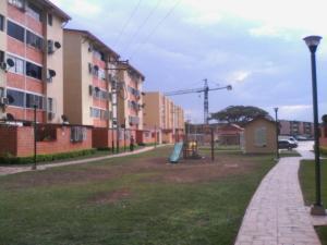 Apartamento en Maracay Aragua,Santa Rita REF: 15-7517