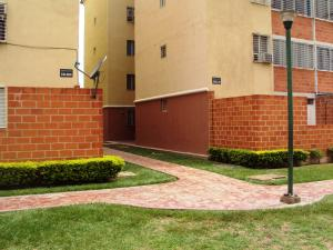 Apartamento en Maracay Aragua,Santa Rita REF: 15-7529