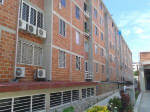 Apartamento en La Guaira Vargas,Macuto REF: 15-8740