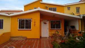 Townhouse en Maracaibo Zulia,Francisco de Miranda REF: 15-9119