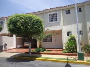 Townhouse en Maracaibo Zulia,Amparo REF: 15-9122