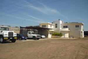 Comercial en Maracaibo Zulia,Via Aeropuerto REF: 15-9197