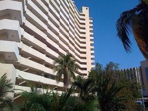 Apartamento en Maracaibo Zulia,Avenida El Milagro REF: 15-10250