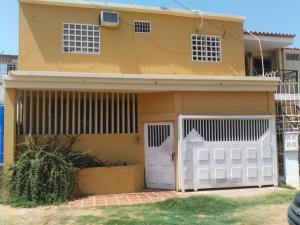 Casa en Maracaibo Zulia,El Naranjal REF: 15-10262