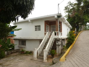 Casa en Los Teques Miranda,Municipio Guaicaipuro REF: 15-10740
