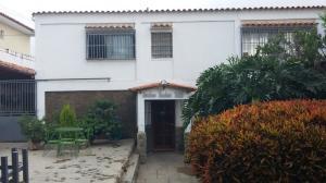 Casa en Los Teques Miranda,Colinas de Carrizal REF: 15-10873