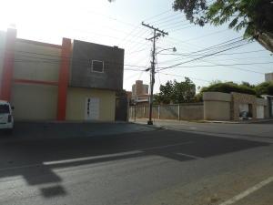 Comercial en Maracaibo Zulia,Santa Maria REF: 15-11635