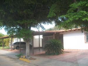 Townhouse en Maracaibo Zulia,Fuerzas Armadas REF: 15-11720