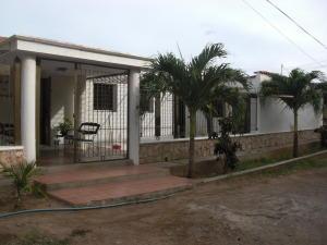 Casa en Coro Falcon,Av Ramon Antonio Medina REF: 15-12023