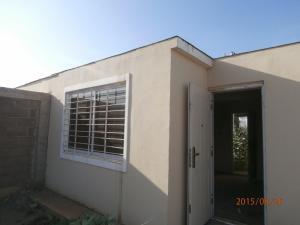 Casa en Coro Falcon,Las Delicias REF: 15-12396