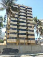 Apartamento en La Guaira Vargas,Macuto REF: 15-14466