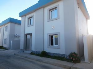 Casa en Coro Falcon,Av los Medanos REF: 15-15497