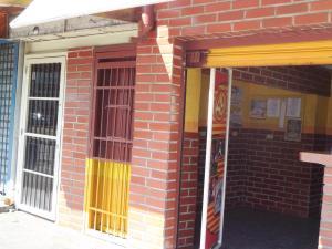 Comercial en Maracay Aragua,La Barraca REF: 16-1119