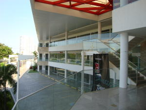 Comercial en Maracaibo Zulia,Colonia Bella Vista REF: 16-5873