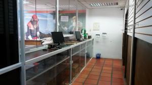 Comercial en Maracaibo Zulia,Avenida Delicias Norte REF: 16-6511