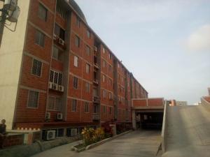 Apartamento en La Guaira Vargas,Macuto REF: 16-6751