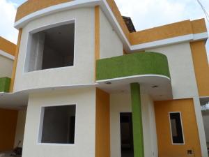 Townhouse en Maracay Aragua,El Limon REF: 16-10070