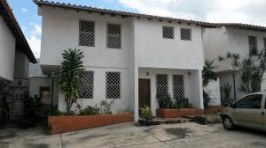 Casa en Maracay Aragua,El Castano (Zona Privada) REF: 16-9771