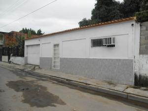 Casa en Maracay Aragua,San Carlos REF: 16-10057