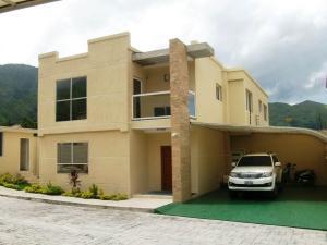 Casa en Maracay Aragua,El Castano (Zona Privada) REF: 16-10911