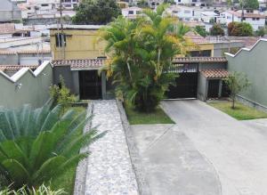 Casa en Los Teques Miranda,Macarena Sur REF: 16-11642