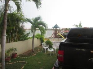 Casa en Maracaibo Zulia,Avenida El Milagro REF: 16-14107