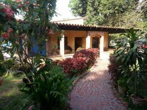 Terreno en Municipio Miguel Pena Carabobo,Lomas del Funval REF: 16-15971