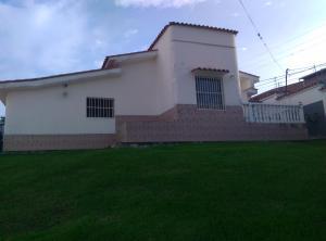 Casa en Los Teques Miranda,Macarena Sur REF: 16-17292