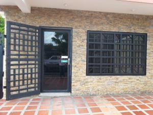 Comercial en Maracaibo Zulia,Las Delicias REF: 17-354