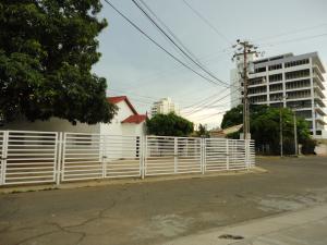 Comercial en Maracaibo Zulia,Las Mercedes REF: 17-133