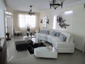 Townhouse en Maracaibo Zulia,Los Modines REF: 17-279