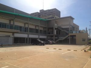Comercial en Maracaibo Zulia,Monte Claro REF: 17-336