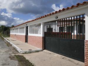 Casa en Rio Chico Miranda,Las Mercedes de Paparo REF: 17-393